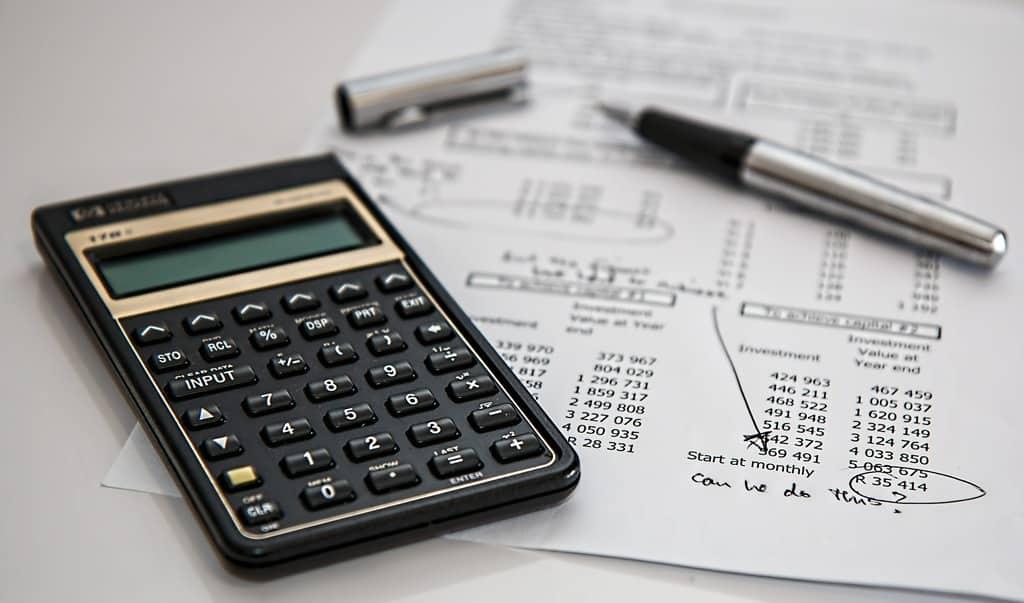 calculator-385506_1920 (1)