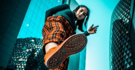 fashion footwear model 2590634 e1568909578227