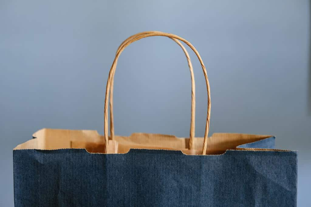 Shopping bag feature