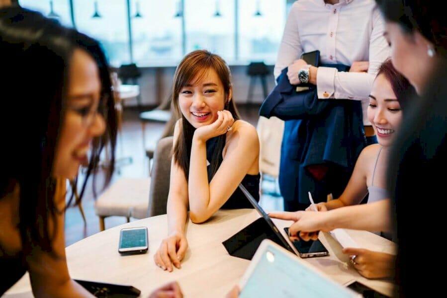 celebrating-women-entrepreneurs:-8-ecommerce-brands-for-women-by-women