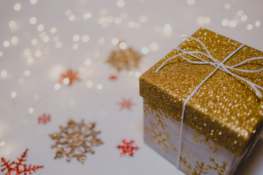 10-tips-to-boost-holiday-sales-with-customer-service
