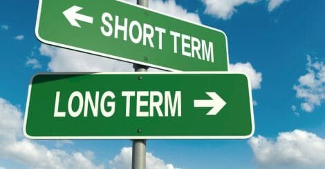prioritizing-short-term-vs.-long-term-marketing-strategies-as-a-small-business- -blog- -hawke-media
