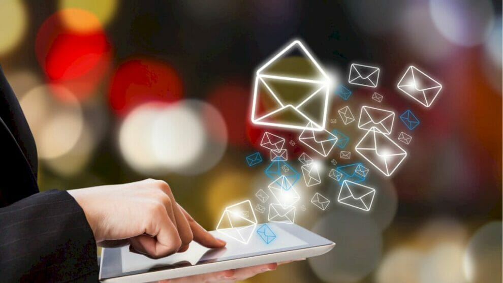 the-importance-of-deliverability-analytics-during-the-holiday-season
